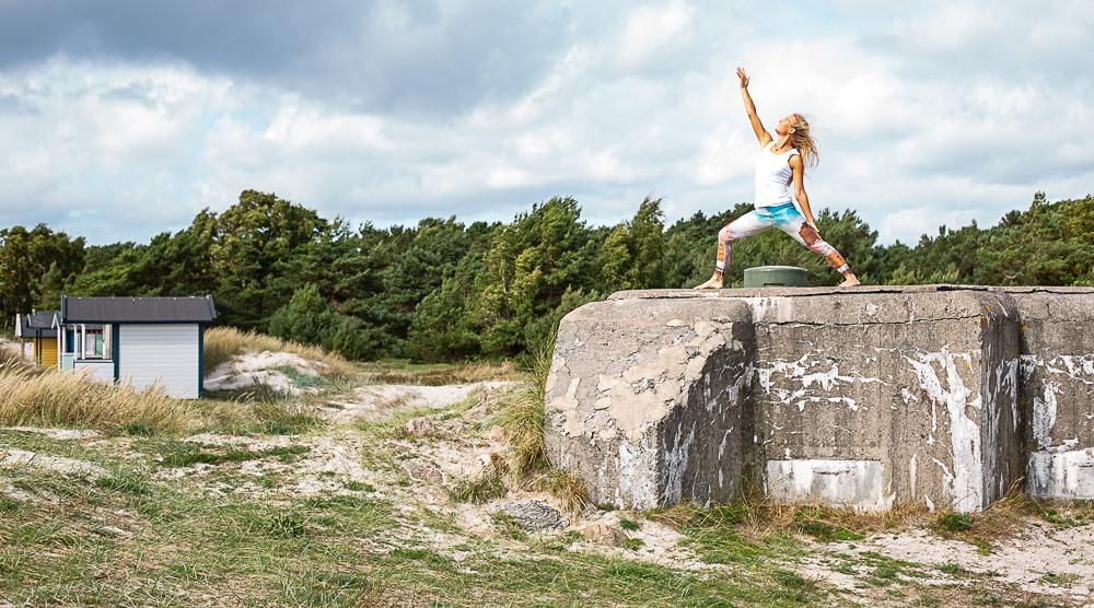yoga ute sommaryoga yoga i gräset